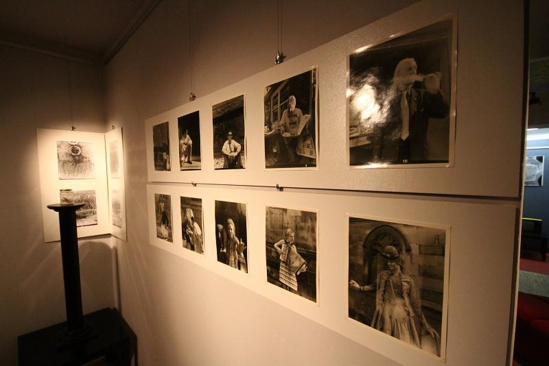 M. Voborník - plastiky, obrazy. C. Holas - fotografie, objekty.