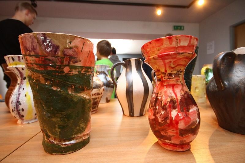 Enkaustika, keramika a hedvábí