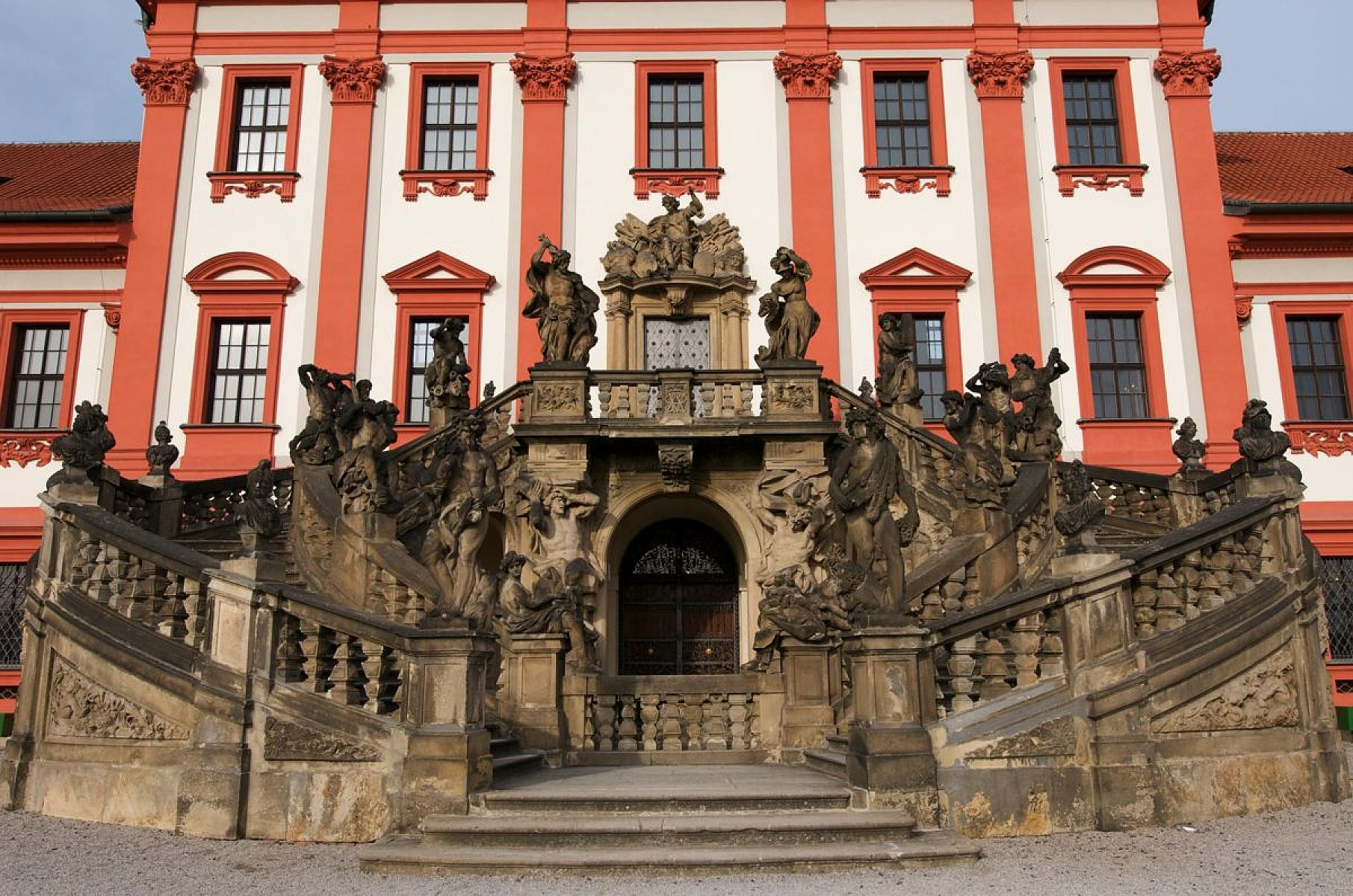 Ti druzí v české barokní architektuře