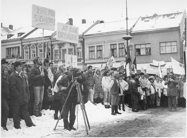 Listopad 89 v Ústí očima aktérů